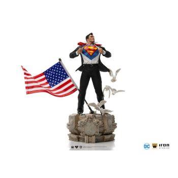DC Comics statuette 1/10 Deluxe Art Scale Clark Kent 29 cm
