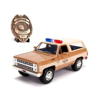 Stranger Things 1/24 Chief Hopper's 1980 Chevy K5 Blazer métal avec badge --- EMBALLAGE ENDOMMAGE